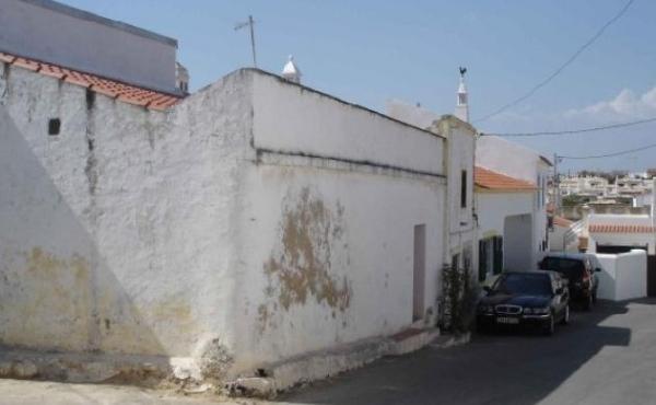 KM-084-Casa Antiga