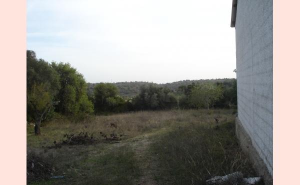 KM-151 Terreno com Armazem
